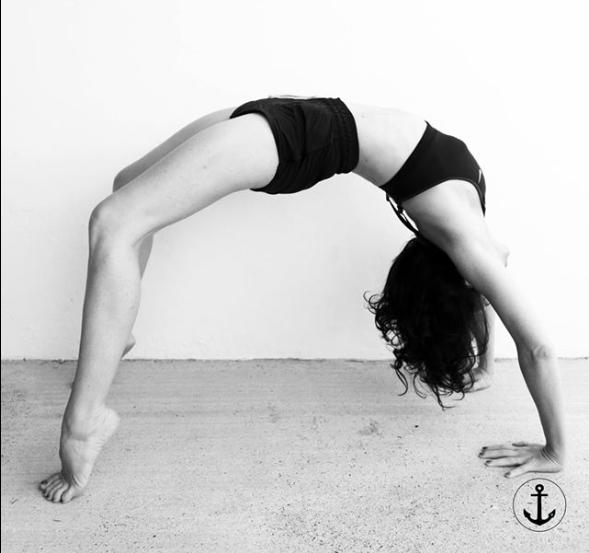 sylvie doxaran yoga sur les filles en espadrilles : la journée de lancement du studio de yoga de sylvie