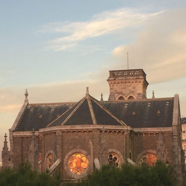 nos meilleurs recoins pour s'embrasser à Biarritz, voici une liste des endroits romantiques pour les filles en espadrilles et visiter biarritz en étant amoureux