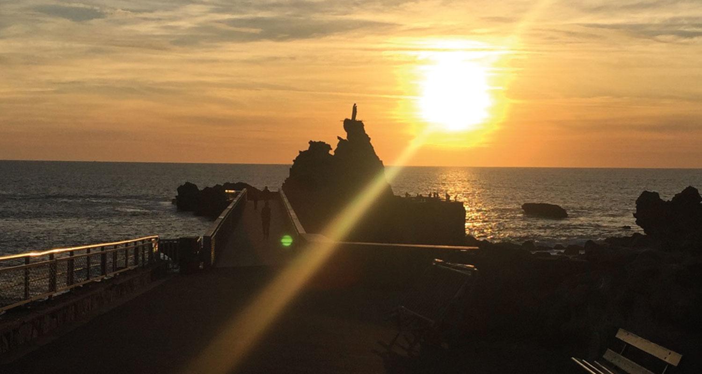 Biarritz est une ville très photogénique, alors nous vous partageons les plus jolis points de vue pour faire vos photos, vidéos et partager vos selfies biarrots les conseils des filles en espadrilles, blog régional et sympathique depuis 2006