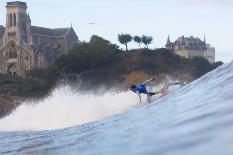 la grande plage à biarritz accueille une étape du championnat du mon de surf en mai 2017 - credit photo FFS/Antoine Justes Quiksilver/Bosko